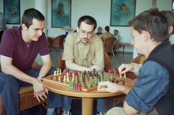Schach hoch 2 in Dresden am Rande des Marathonblitzturniers 2005